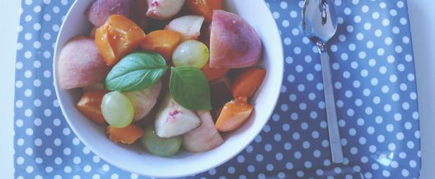 dessert-light-salade-fruits-basilic-frais