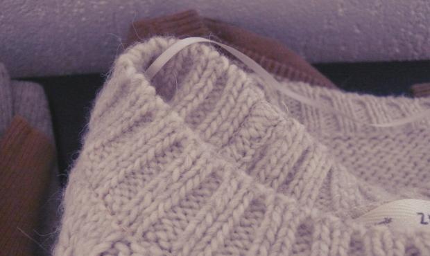 pull doudou grosse maille laine blog quotidien de jeune. Black Bedroom Furniture Sets. Home Design Ideas