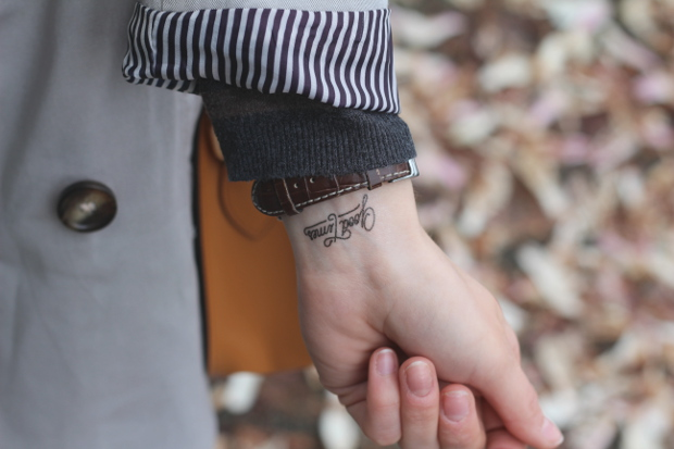 tatouage ephemere bernard forever tattoo quotidien de. Black Bedroom Furniture Sets. Home Design Ideas