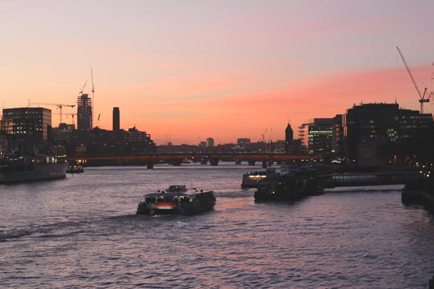 london-bridge-londres-couche-de-soleil